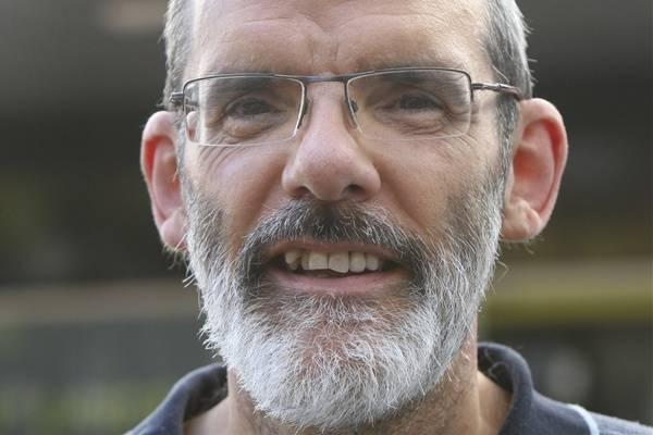 Peran John MacFarlane Dalam Perkembangan Ilmu Pengetahuan